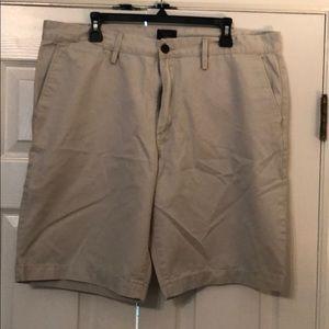 Men's Gap khaki shorts sz 38